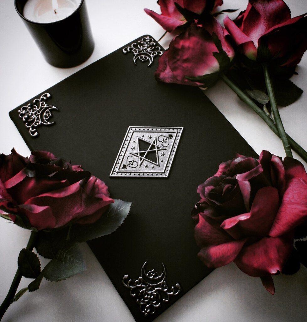 """Book of shadows"" rokovnik"