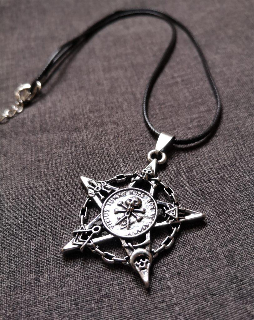 """""""Skull & symbols"""" pentagram ogrlica"""